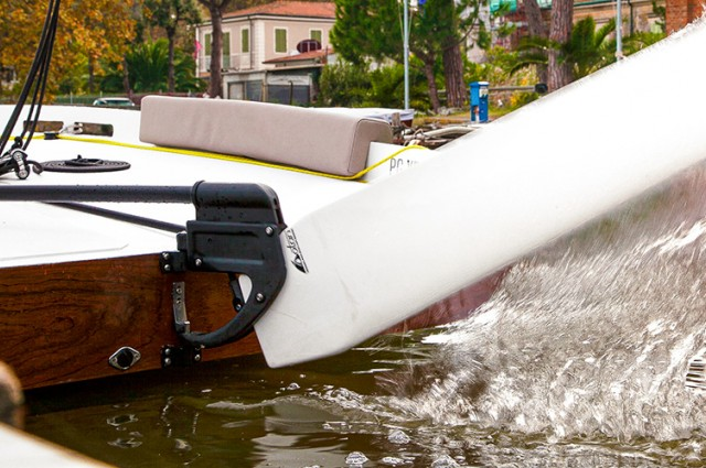 Zen dinghy is equipped with Dotan rudder, simple and intuitive!