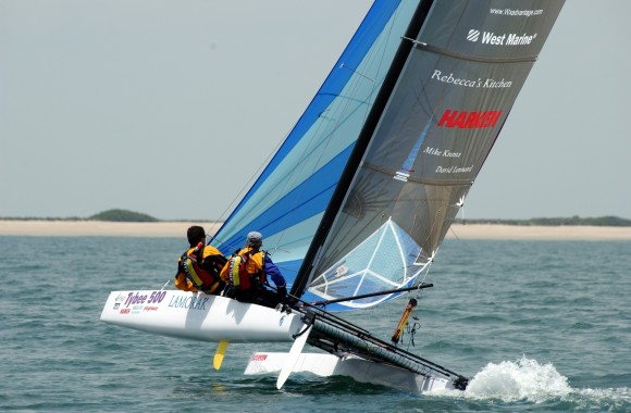 The modern rudder system become familiar with class of 18-ft catamaran - Bimare Javelin 2